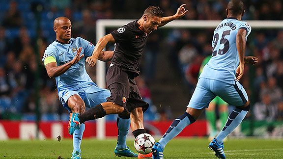 Totti le da el empate a Roma