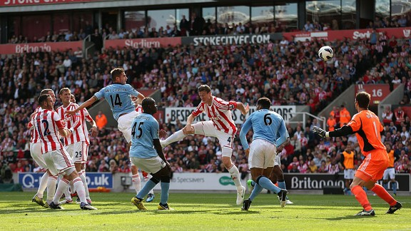javigarciagoal20120915 576x324 - City drop points at Stoke