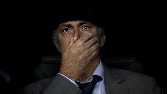 josemourinhoshadows20120918 576x324 - I'm learning from Barca, says Mourinho