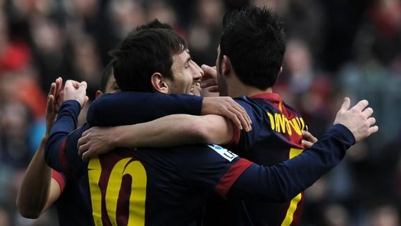 lionelmessigroupceleb20130210 576x324 - Barcelona hit six