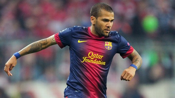 Dani Alves action Bayern Munich Barcelona
