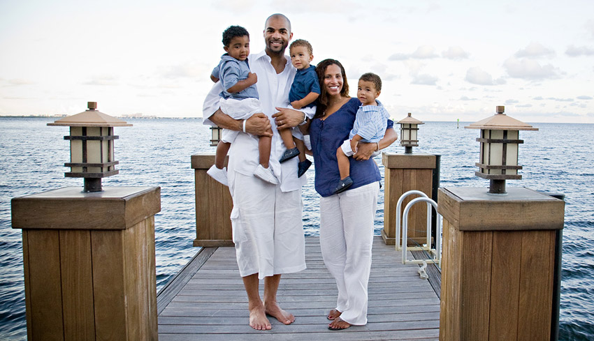 Family photo of the basketball player, married to Cindy Cece, famous for Los Angeles Lakers, Chicago Bulls.