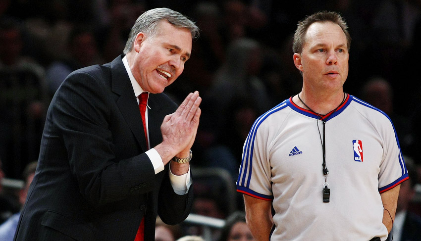 Mike D'Antoni on sidelines