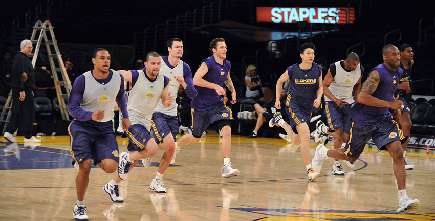 Lakers run sprints