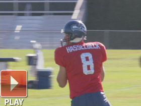 Hasselbeck expected to start