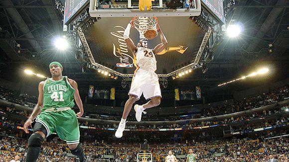 paul pierce dunking on kobe. Kobe Bryant stole