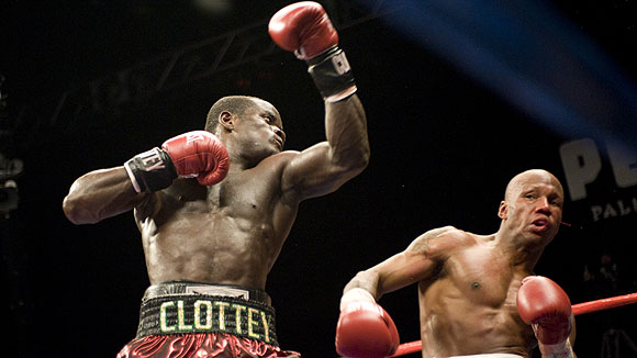 Boxers with extremely large (lower) lat muscles    | Sherdog