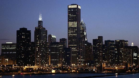 На данный момент в Чикаго сотни отдельных точек, в которых имеется...