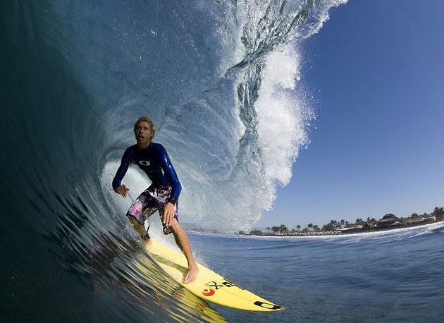 http://assets.espn.go.com/photo/2009/0129/as_surf_conley_tube_630.jpg