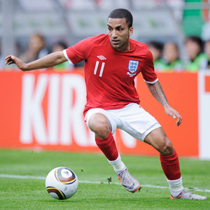 Aaron Lennon with the 2010 WC Jubalani Ball