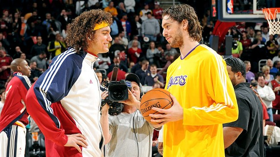 Anderson Varejao, Pau Gasol