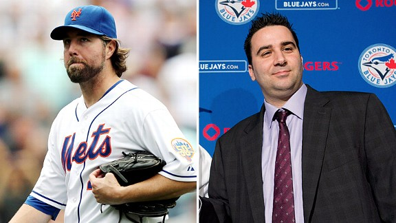R.A. Dickey y Alex Anthopoulos