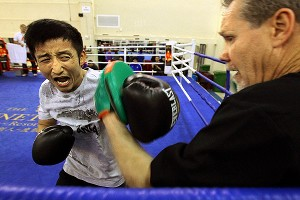 Zou Shiming and Freddie Roach