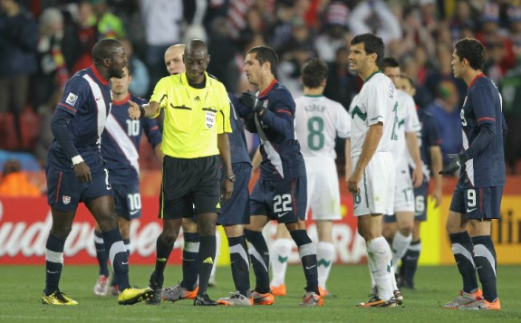 Jozy Altidore Argues with Referee Koman Coulibaly